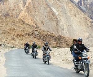 bike trip manali to srinagar via Tso Moriri lake